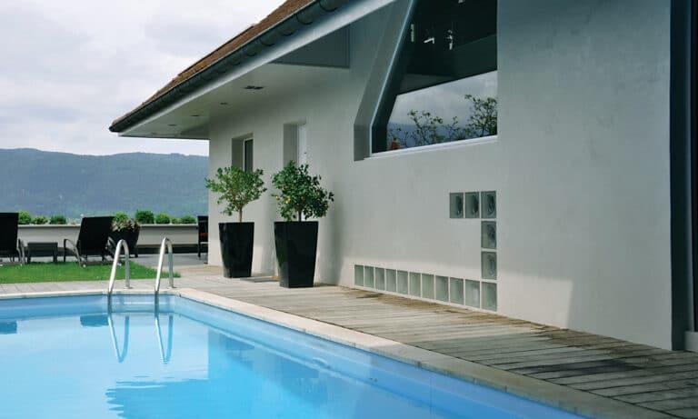 GST Rénovation - Ravalement maison avec piscine