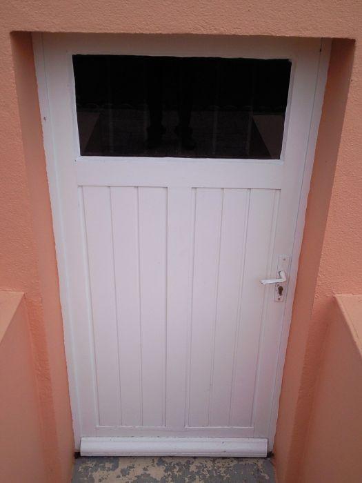 GST Rénovation - Porte sous sol PVC