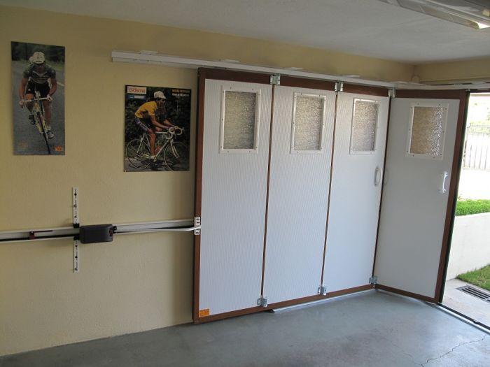 GST Rénovation - Porte de garage sectionnelle vue de l'intérieur 2