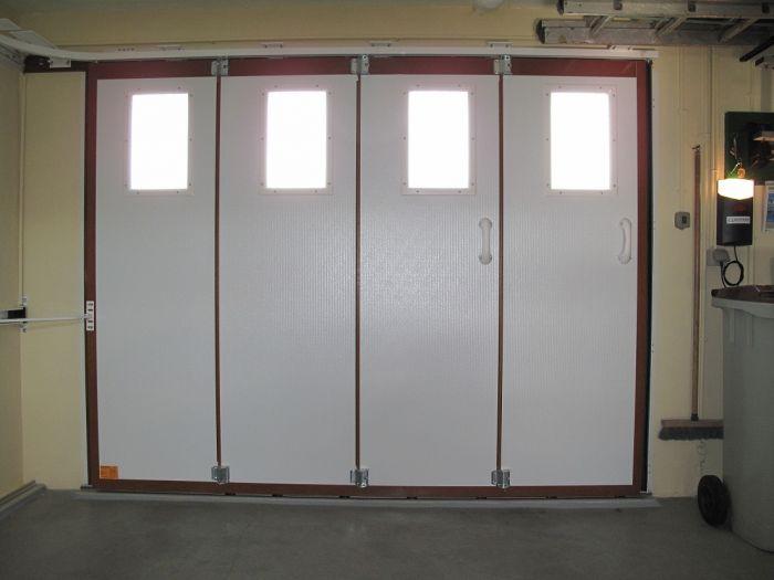 GST Rénovation - Porte de garage sectionnelle vue de l'intérieur