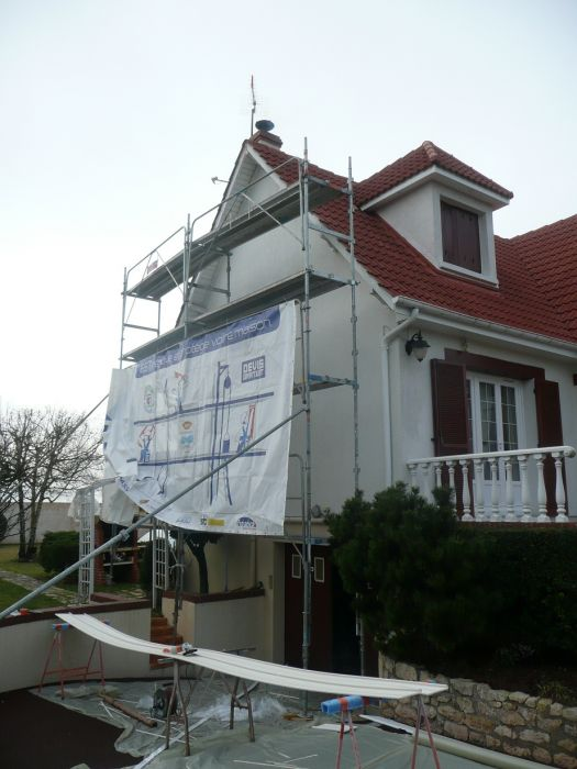 GST Rénovation - Vue pendant travaux de pose de dessous de toit PVC