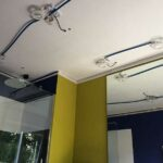GST Rénovation - Plafond tendu salle de bain avant